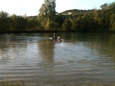étang aménagé pour la baignade